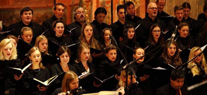 Kammerchor und Consort_2000x1015.jpg